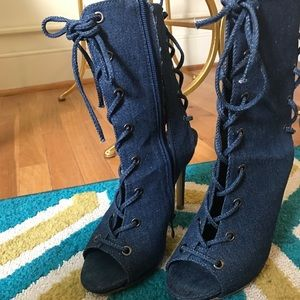 Shoes - Lace booties
